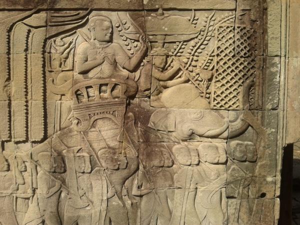 Bas relief inside the Angkor complex