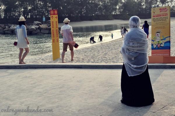 01_beachwoman